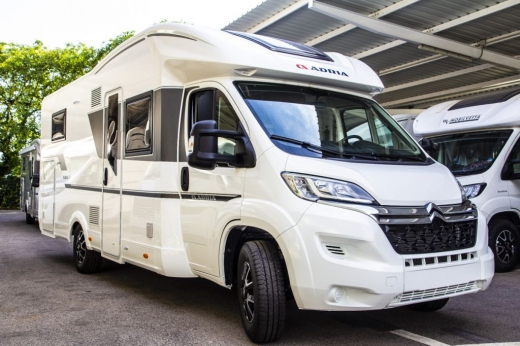 Autocaravana Adria Matrix Axess M 670 DL