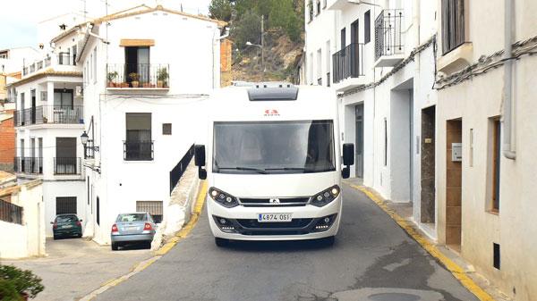 Estacionar y pernoctar con autocaravana en España